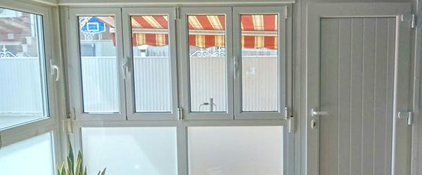 Ventanas y persianas castell expertos en ventanas de pvc for Armarios de pvc para terrazas