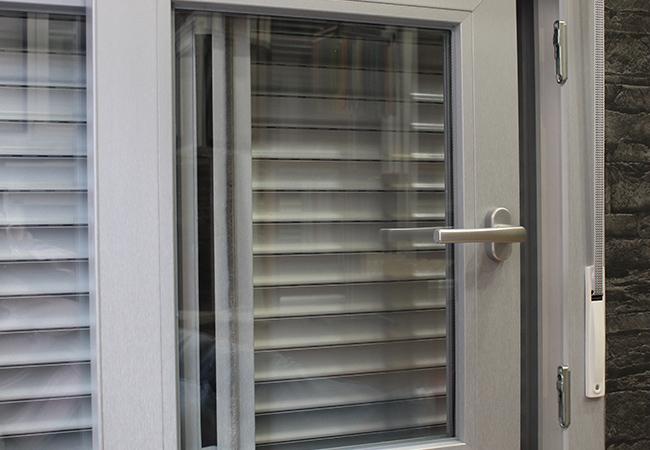 Especialistas en ventanas de pvc for Puertas osciloparalelas